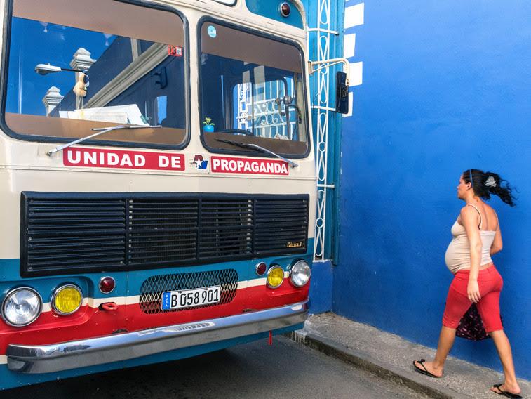 Sancti Spiritus, Cuba 2015. Book 'Cuba, La Lucha'.